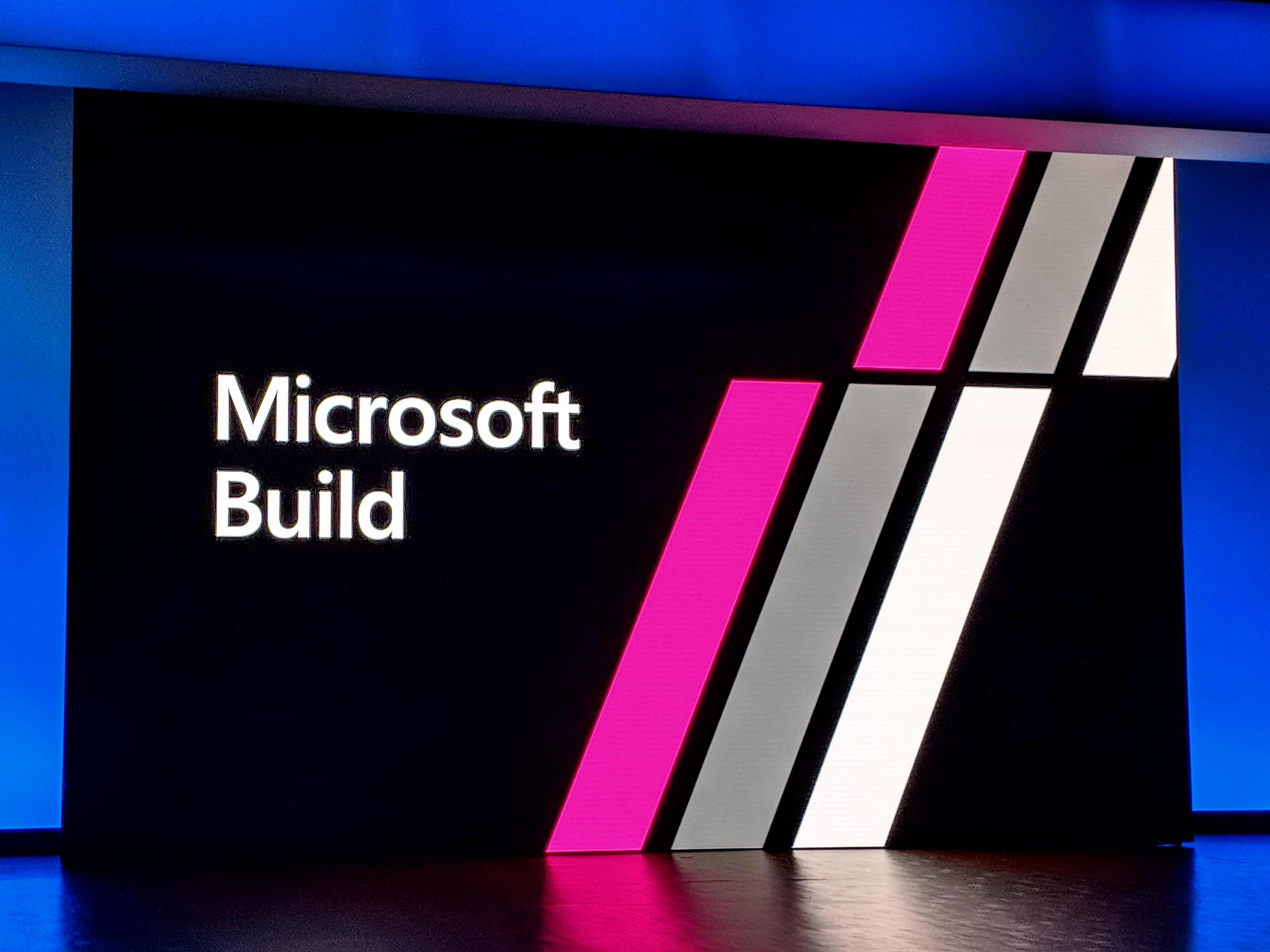 Microsoft brings Azure SQL Database to the edge (and Arm)